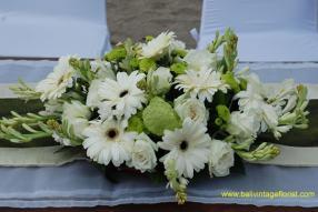 altar table flower mix rose gerbera